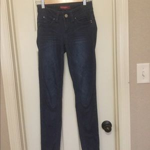 Fitted  stretch skinny jeans.